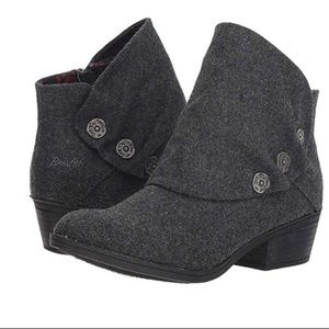 Blowfish grey 2-tone flannel size 8 ankle bootie